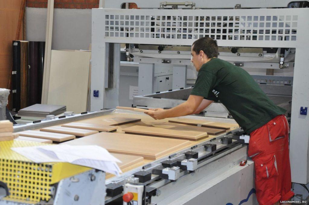 процесс производства кухонной мебели